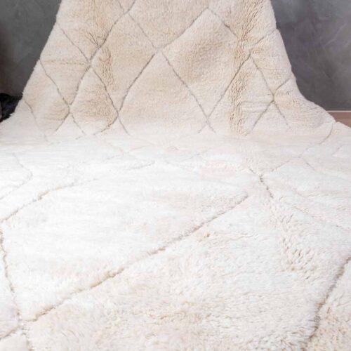 Mrirt hvitt teppe