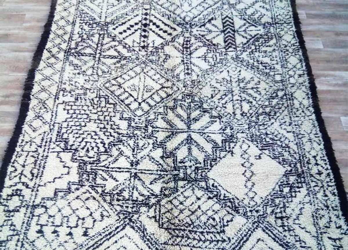 Beni Ouarain teppe med komplekst mønster