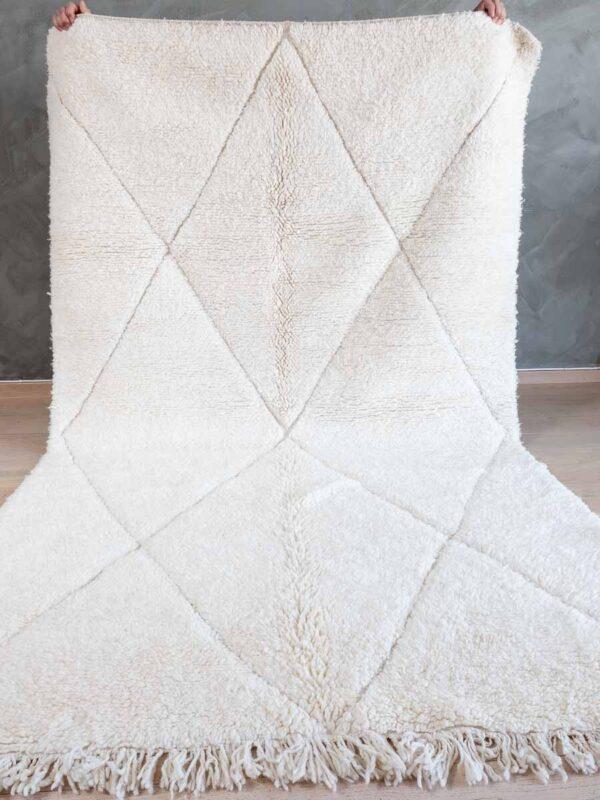 Hvitt på hvitt teppe